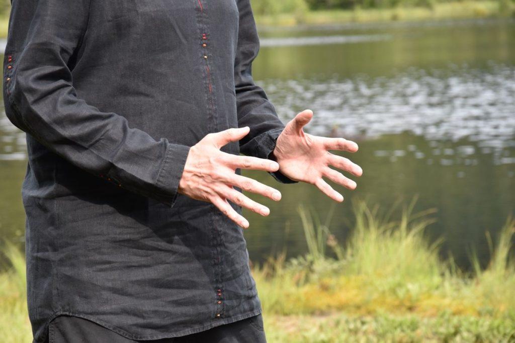 Čchi mezi dlaněmi